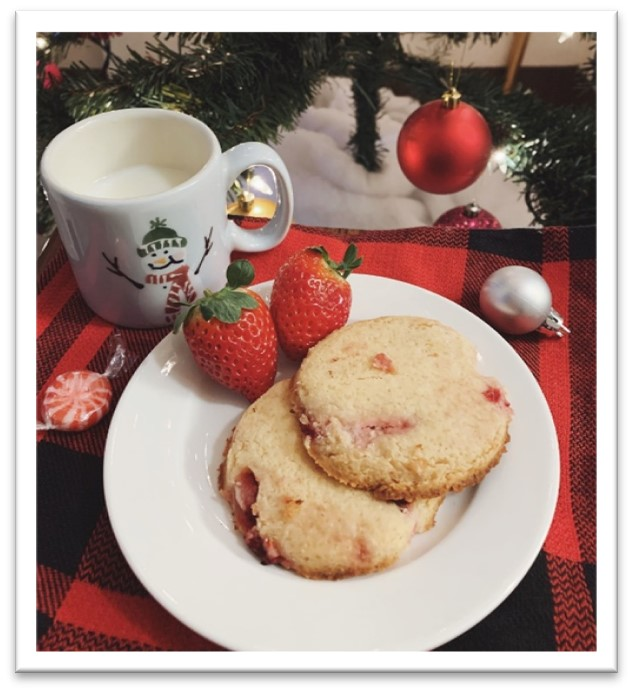 Keto and Co Strawberry Shortbread Cookies